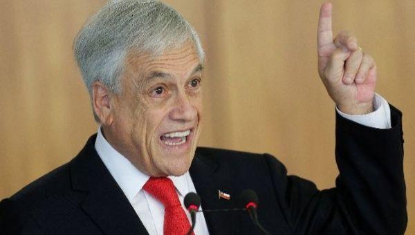 Chile: Piñera baja el precio del transporte y sube las pensiones