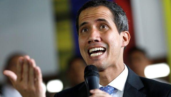 Juan Guaido si è proclamato presidente ad interim del Venezuela il 23 gennaio di quest'anno, giorni dopo il presidente Maduro