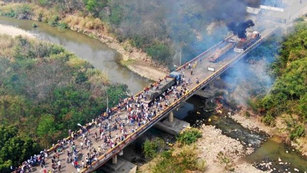 A new false flag operation on the Francisco de Paula Santander bridge, on the Venezuela-Colombia border.