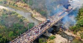 Venezuelan opposition infiltrators burn the 'aid' trucks at the bridge Simon Bolivar bridge in Venezuela.