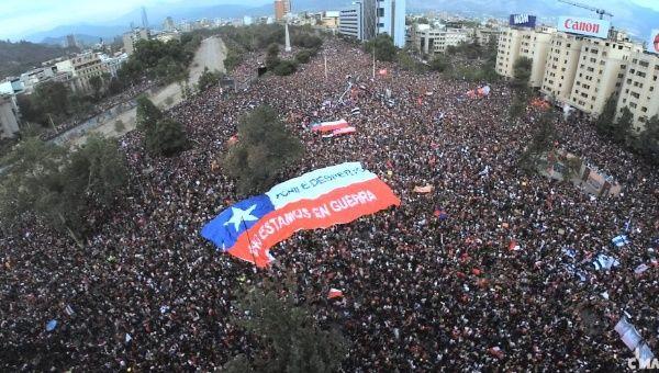 chile protest ile ilgili görsel sonucu