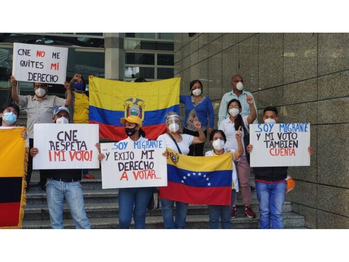Ecuadoreans Denounce Impediment to Voting From Caracas