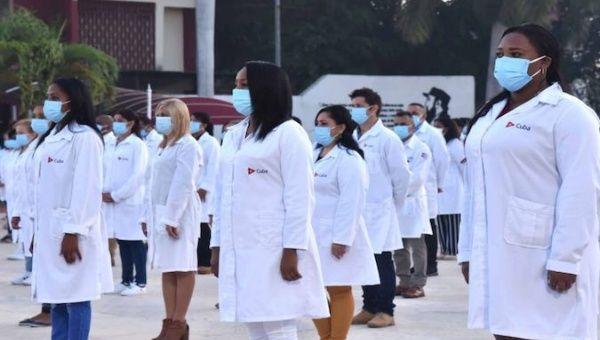 Cuban doctors minutes before leaving for Qatar, Havana, Cuba, March 19, 2021.