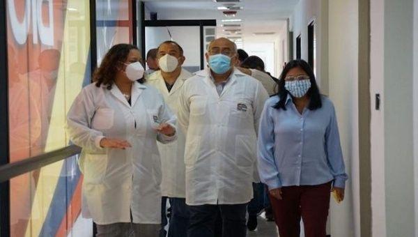 Vice President Delcy Rodriguez and a Cuban delegation visit the Espromed Bio Plant, Caracas, Venezuela, April 8, 2021.