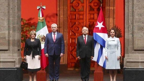 López Obrador receives Díaz-Canel Bermúdez in the Patio de Honor of the National Palace, accompanied by their wives, Beatriz Gutiérrez and Lis Cuesta, in Mexico City, Mexico.