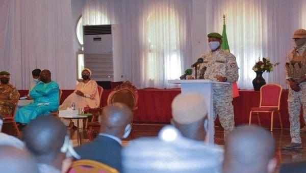 Colonel Assimi Goita speaks to the Cabinet, Bamako, Mali, May. 28, 2021.