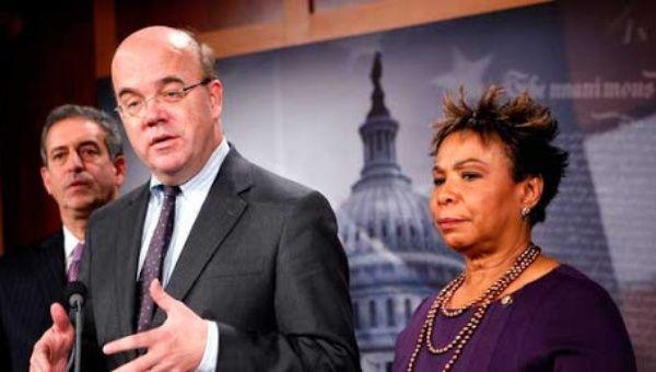 Representatives James P. McGovern (C) and Barbara Lee (R)